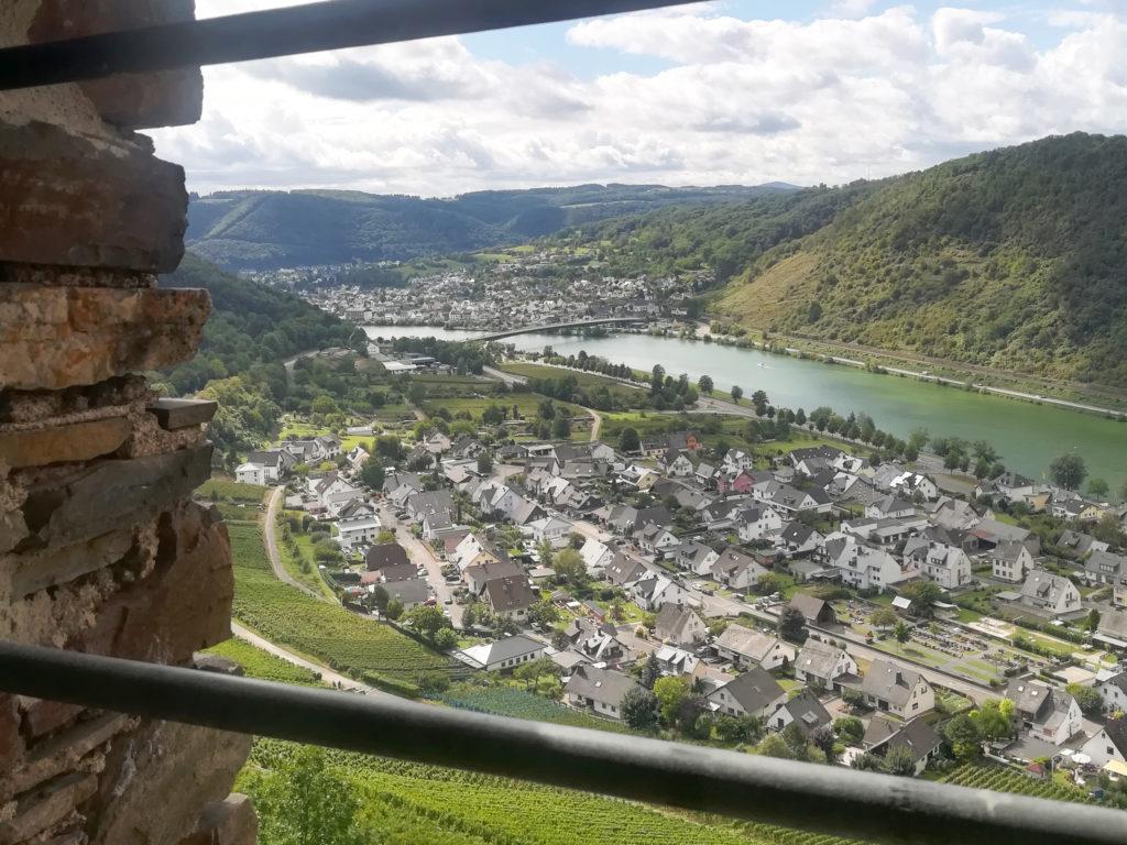 Busreise Blick von der Burg Thurant auf das Moseltal