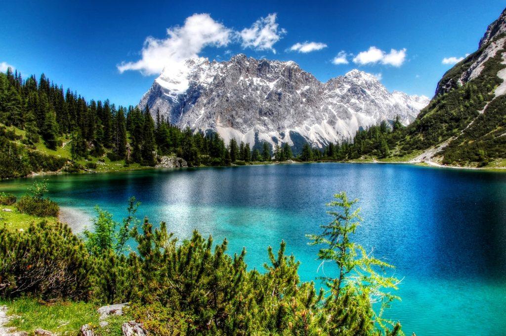Deutschland Busreise See Berge Zugspitze Bayern