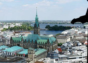 Hamburger Rathaus aus der Vogelperspektive