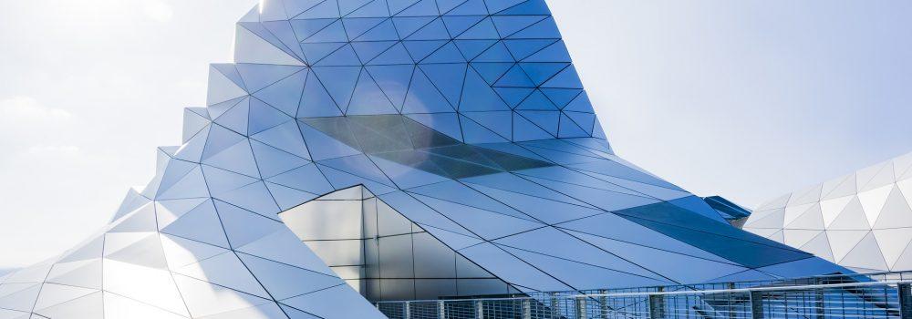 Gläsernes Firmengebäude