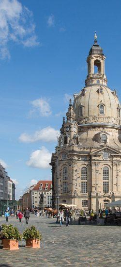 Vorplatz mit Blick auf die Dresdner Frauenkirche